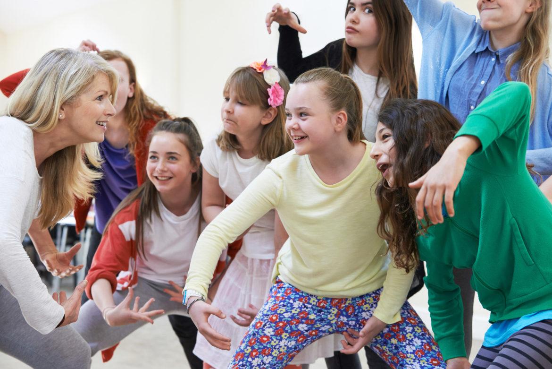 Английские разговорные клубы для подростков в москве ночные клубы москвы где потанцевать